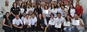 Posto da Rede Amigão Saraiva é premiado como destaque em evento nos EUA
